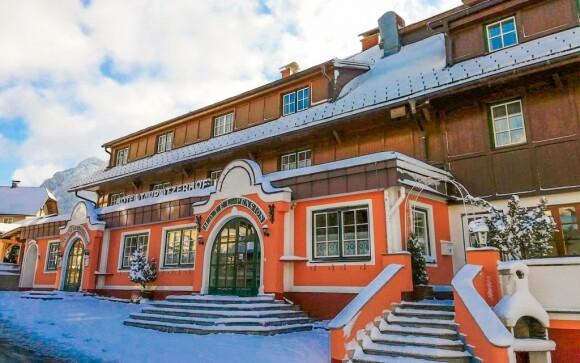 Hotel sa honosí klasickou rakúskou architektúrou