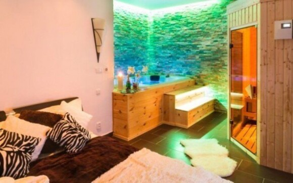 Jižní morava ve VIP pokoji s wellness vířivkou na pokoji a saunou