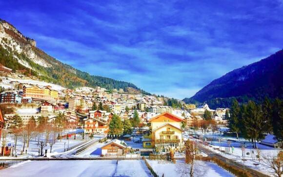Ubytujte se v hotelu u jezera Molveno v Dolomitech