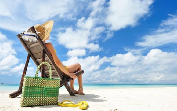 Piesočná pláž, lehátka, more, Lignano Sabbiadoro, Taliansko