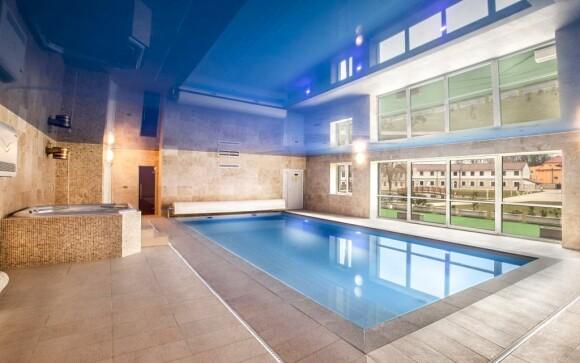 Bazén so slanou morskou vodou Hotel Lions Rakovnicko