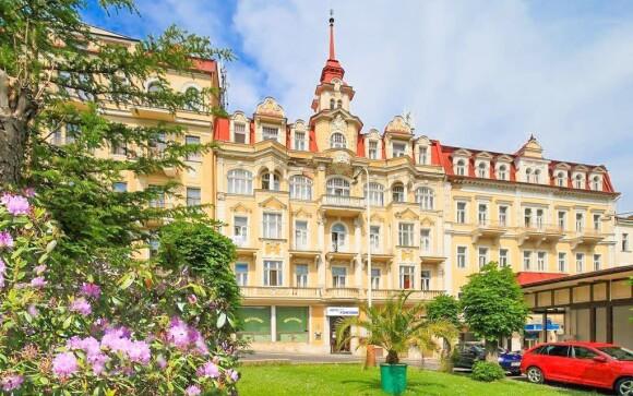 Hotel Fontána *** jen 400 metrů od lázeňské kolonády