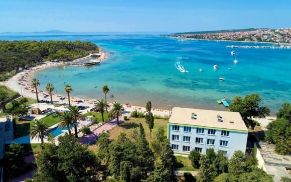 Pláž pri Liberty Hoteli ***, Pag, Chorvátsko