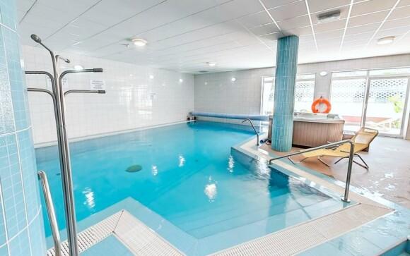 Wellness, vířivka, bazén, Hotel Bagoly Fogadó, jezero Gyömrő
