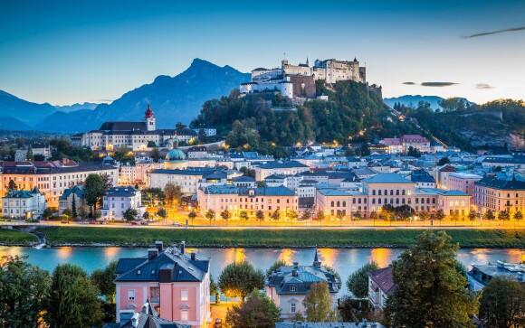 Salzburg leží blízko rakúskych Álp
