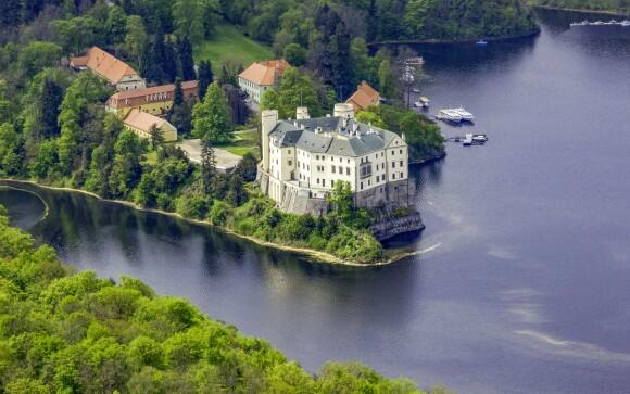 Vydejte se na zámek Orlík nad Vltavou