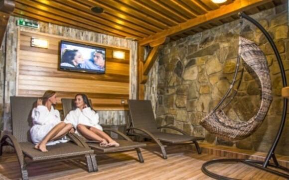 Lyžování v Beskydech s polopenzí a wellness v luxusním penzionu u ski areálů
