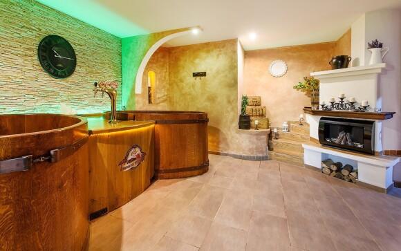 Pivní koupel ve wellness, Hotel Beskyd, Beskydy