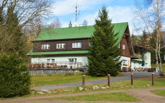 Hotel U Supa *** leží v pokojnej časti Harrachova