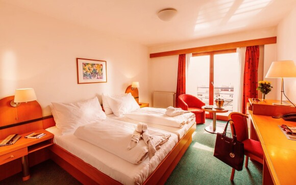 Interiéry pokojů Deluxe, Hotel Troja ****, Praha 8