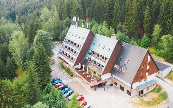 Parkhotel Harrachov *** s výhľadom na Čertovu horu