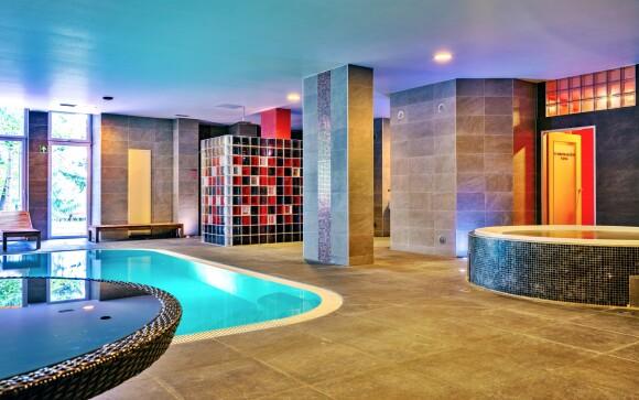 Bazén a vírivka, Hotel Fontána ***, Brnenská priehrada
