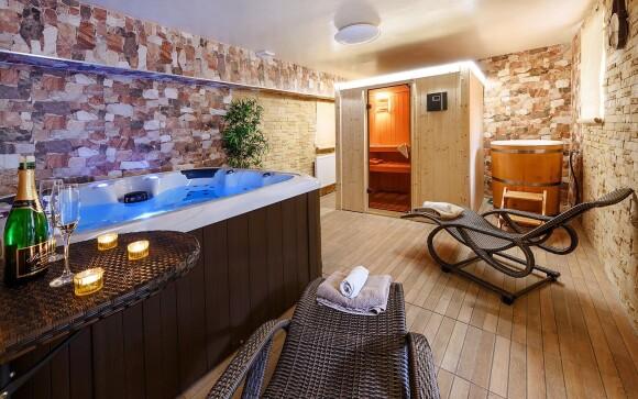 Užite si wellness s vírivkou a saunou
