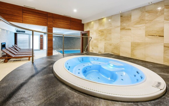 Relaxujte ve vířivce, Hotel Rakovec *** u Brněnské přehrady