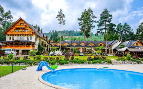 Penzión Slanický dvor - vonkajšie bazény, pri priehrade