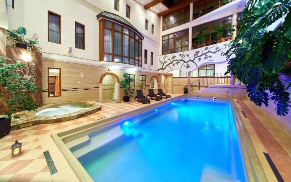 Využite neobmedzeného vstupu do bazéna, Hotel Kinga ****