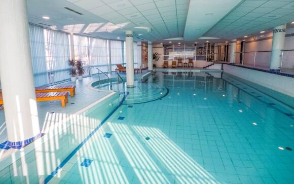 Neobmedzený vstup do bazéna v Hoteli Prosper ****, Čeladná