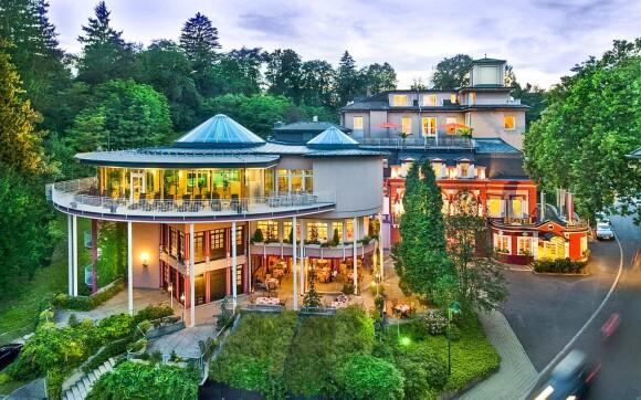 Hotel Allmer **** s panoramatickým bazénem, Rakousko