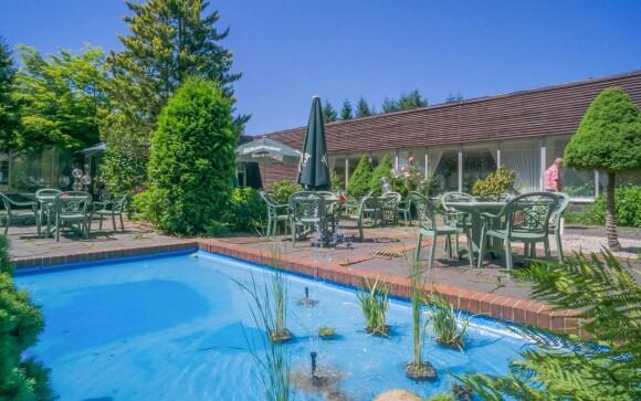 Letná terasa s bazénom, Ferienhotel Markersbach ***, Nemecko