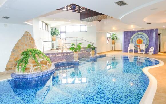 Užite si neobmedzený vstup do bazéna, Hotel Amália ***