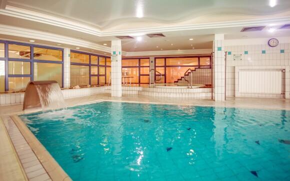 Bazén neobmedzene, 4* Kenese Bay Garden Resort pri Balatone