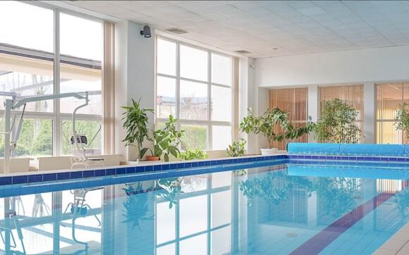 Hotelový plavecký bazén má 12,5 m