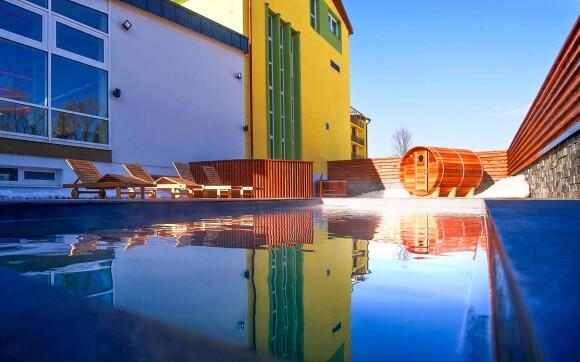 Venkovní bazén ve wellness Hotelu Lesana *** Vysoké Tatry