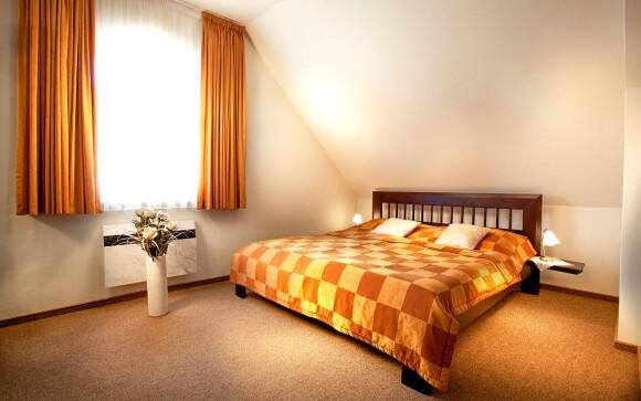Budete ubytovaní v komfortných izbách, Hotel Akademie ***