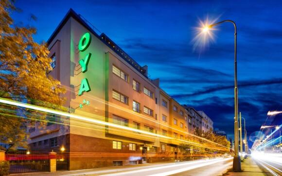 Hotel Oya *** stojí u zastávky metra i autobusu