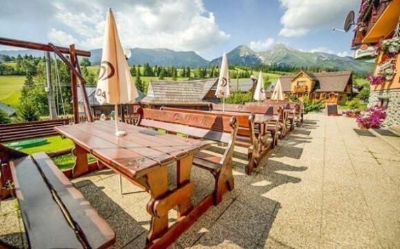 Příjemné posezení na terase oceníte především během slunných dnů