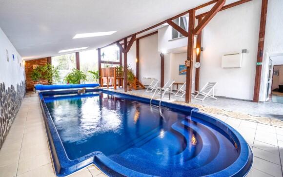 Zažite nekonečný relax v hotelovom wellness, bazén
