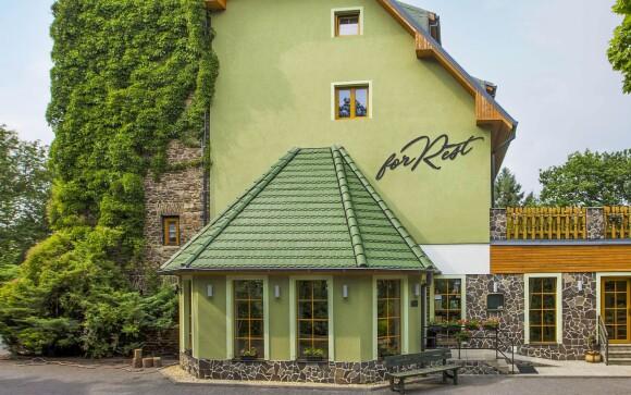 Krásný Hotel ForRest *** v Chomutově