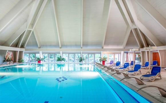 K dispozícii sú vnútorné i vonkajšie termálne bazény
