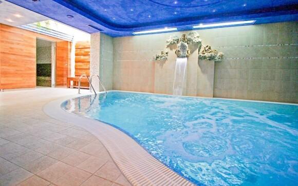 Wellness, bazén, Hotel Tornacos, Hegykő, Maďarsko