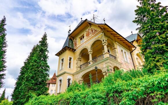Vládna vila Luhačovice stojí priamo pri kúpeľnom parku
