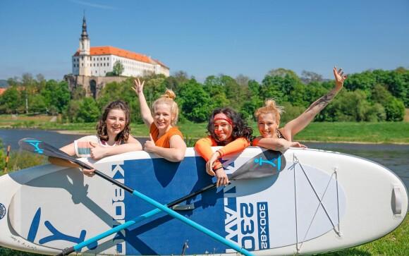 Zážitek v podobě jízdy na paddleboardu v Českém Švýcarsku