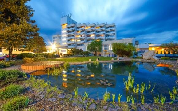 Hotel Hviezda *** leží v lázeňském městě Dudince