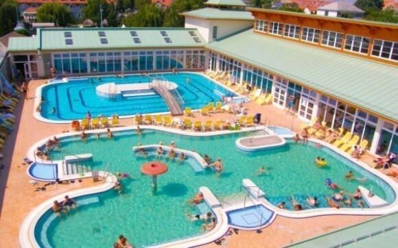 Hotel sa nachádza v areáli vyhlásených kúpeľov Mosonmagyaróvár