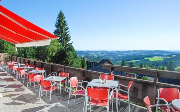 Kde inde stráviť príjemný olovrant než na slnečnej terase?