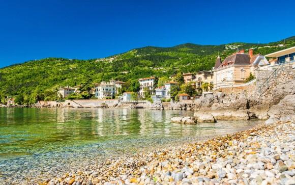Lovran je krásne prímorské mesto, Chorvátsko