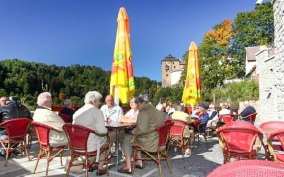 Počas slnečných dní si môžete užiť posedenie na terase