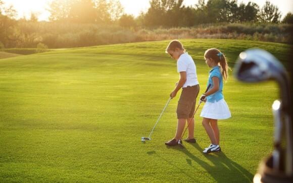 Využijte příležitosti naučit se nebo si procvičit golfové dovednosti