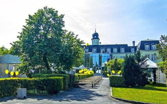 Prostredie hotela je obklopené romantickou prírodou