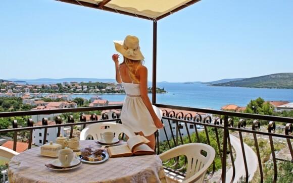 Apartmány disponují balkóny s výhledem na moře