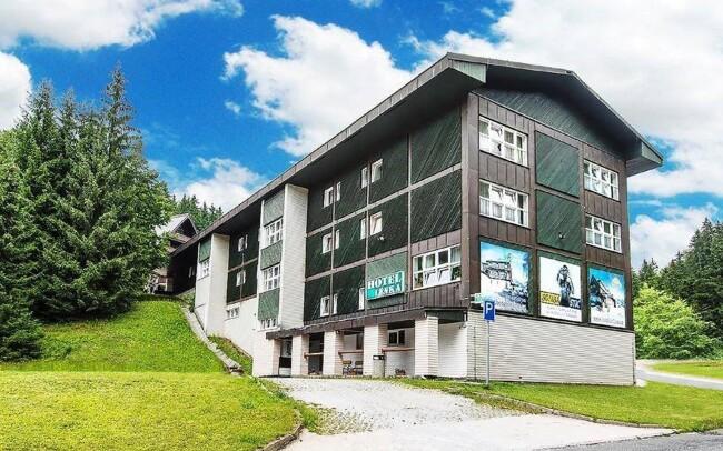 29% Krkonoše: 3-7 denní pobyt pro DVA v Hotelu Lenka …