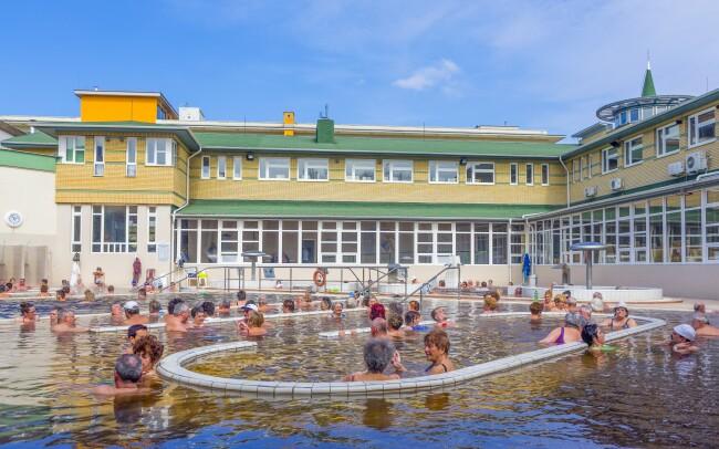 43% Maďarsko: 3-5 denní wellness pobyt pro DVA v…