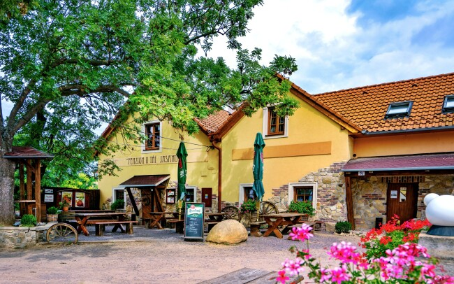 46% Jižní Morava: 3-5 denní lázeňský pobyt pro DVA v…