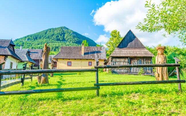 50% Nízké Tatry: 3–6 denní pobyt pro DVA  u skanzenu…