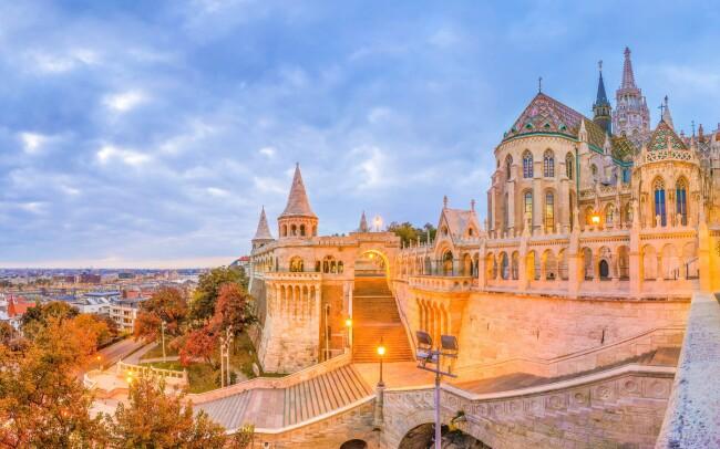 50% Maďarsko: 3–8 denní pobyt pro DVA v Budapešti…