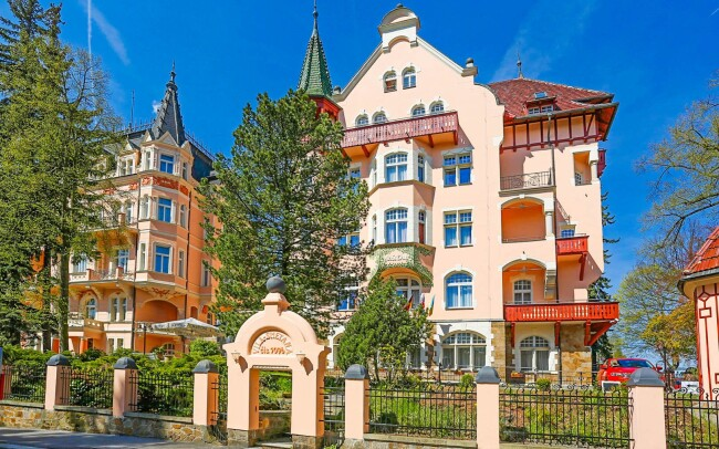 50% Karlovy Vary: 2–8 denní pobyt pro DVA v Hotelu…